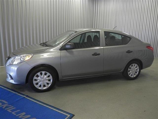 Pre Owned 2013 Nissan Versa 1.6